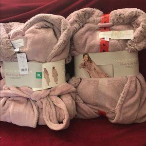 Plush wrap robe